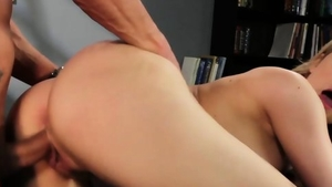 Hot blonde babe rough pussy fuck