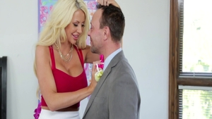 Big tits blonde hair Courtney Taylor desires hard ramming