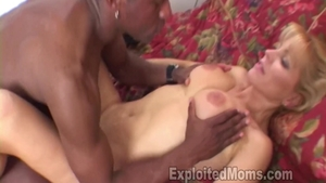 Shaved MILF Nicole Moore feels up to hard ramming