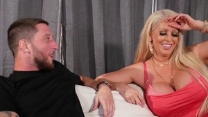 Hard slamming in company with hot cougar