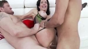 Threesome escorted by hottest babe Veronica Avluv