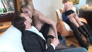 Phoenix Marie plus babe Holly Wellin group sex