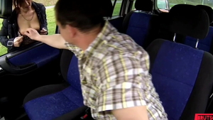 Very hawt driver creampied sucking dick in a taxi HD