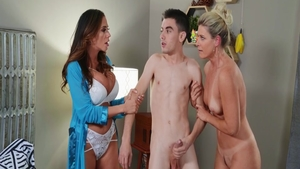 Erotic & busty babe India Summer raw threesome