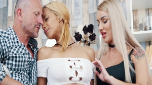 Real sex escorted by skinny blonde haired Veronica Leal
