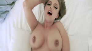 Horny Britney Amber missionary fucking sucking cock