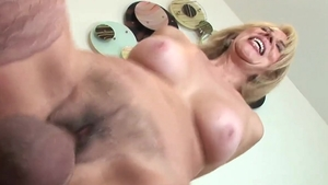 Very kinky pornstar Erica Lauren wants loud sex
