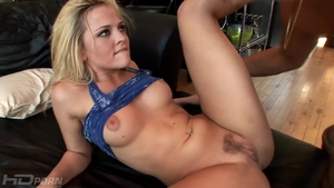 Big butt Alexis Texas raw creampied on the couch