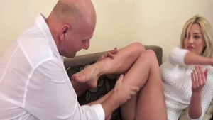 Young hawt babe Sienna Day hard ass fucking on the nature HD