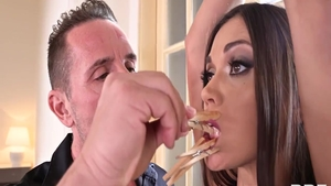 Glamour babe Alyssa Reece receives hard ramming HD