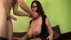 Big boobs MILF Eva Notty finds irresistible real sex