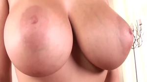Chubby stepmom american Gianna Michaels close up fingering