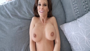 Big tits pornstar Syren De Mer feels like hard ramming