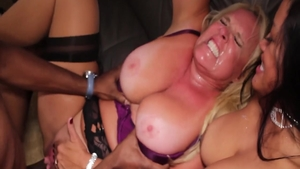 MILF Alexis Golden has a soft spot for hard nailining