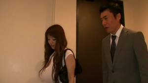 Hairy japanese mature Hitomi Tanaka needs fingering in HD