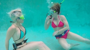 Very kinky lesbo pussy licking underwater in HD