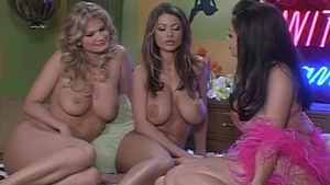 Naked Veronica Zemanova & Aria Giovanni stripteasing sex scene
