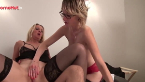Louise Du Lac in sexy stockings cum swallowing