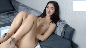 Extreme asian masturbating on live cam