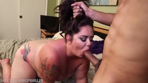 Sweet babe raw handjob