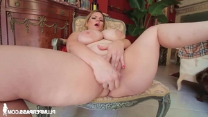 Babe Tiffany Blake blowjobs