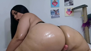 Oil instruction escorted by thick latina amateur