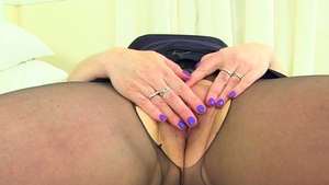 British fat mature in nylon masturbating solo
