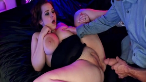 Very sexy redhead has a passion for pussy sex