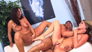 Busty and big boobs Courtney Cummz group sex