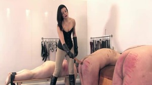Amazing english mistress butt fucked