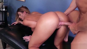 Mature Brooklyn Chase wants hard pounding in tight stockings
